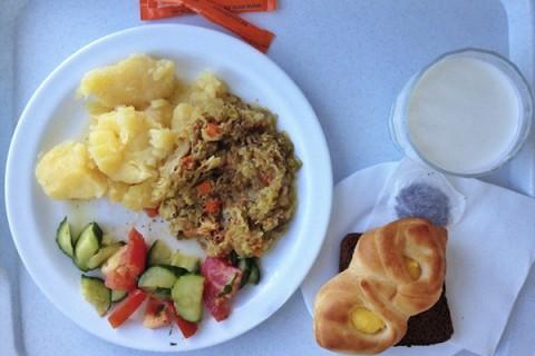 Gastronomia de pe tăvile din spitale