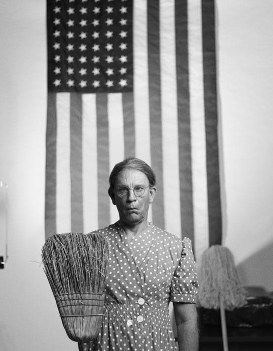 Gordon_Parks___American_Gothic_Washington_D.C._date_2014