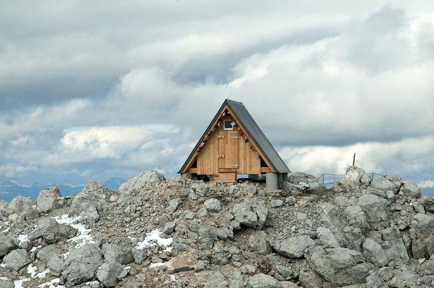 mountain-hut-house-6