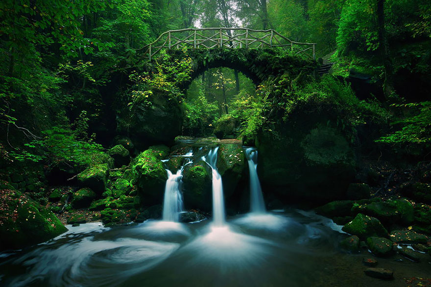 Old-Mysterious-Bridges1__880
