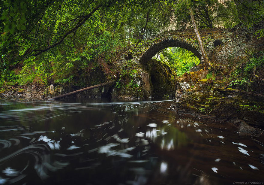 Old-Mysterious-Bridges5__880