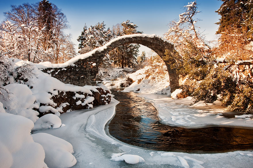 Old-Mysterious-Bridges7__880
