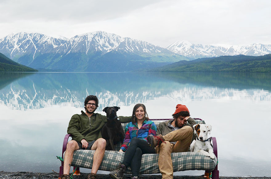 three-friends-two-dogs-one-futon-roadtrip-photos-6