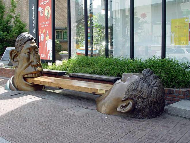 Cele mai ciudate statui din lume