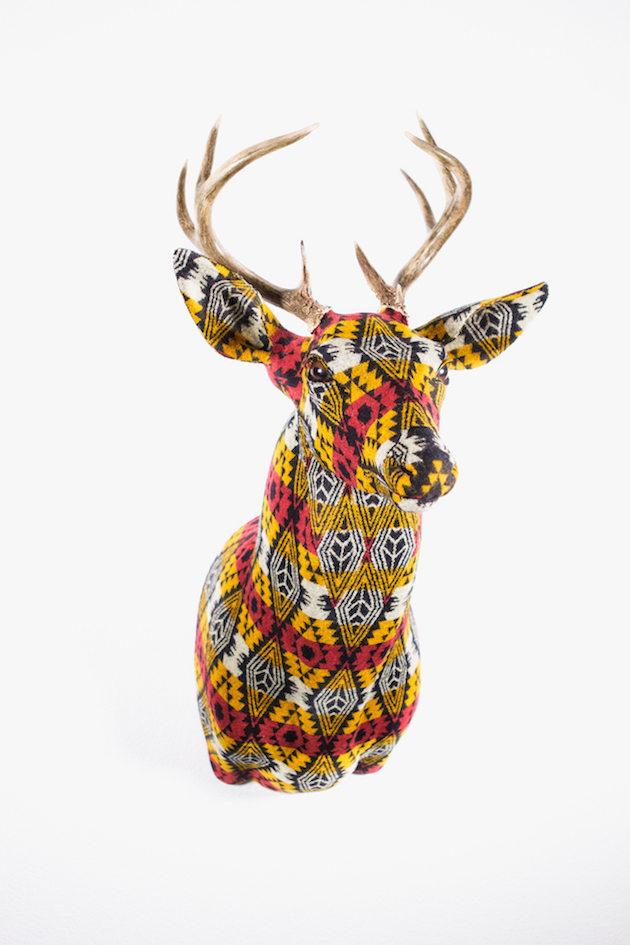 Modern-Fabric-Stag-Head-feel-desain-Chase-Halland08