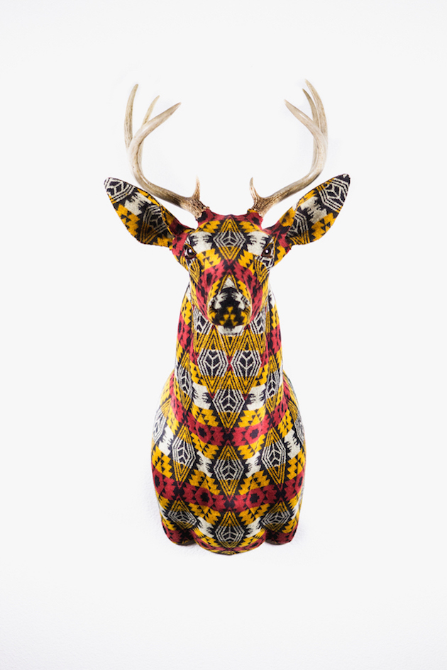 Modern-Fabric-Stag-Head-feel-desain-Chase-Halland09