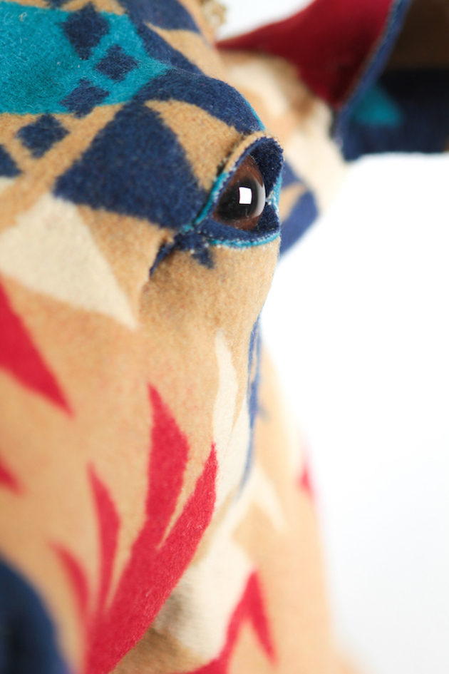 Modern-Fabric-Stag-Head-feel-desain-Chase-Halland12