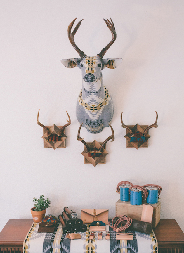 Modern-Fabric-Stag-Head-feel-desain-Chase-Halland15