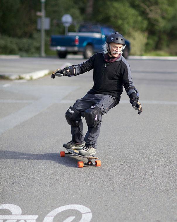 78-year-old-longboarder-lloyd-kahn__605