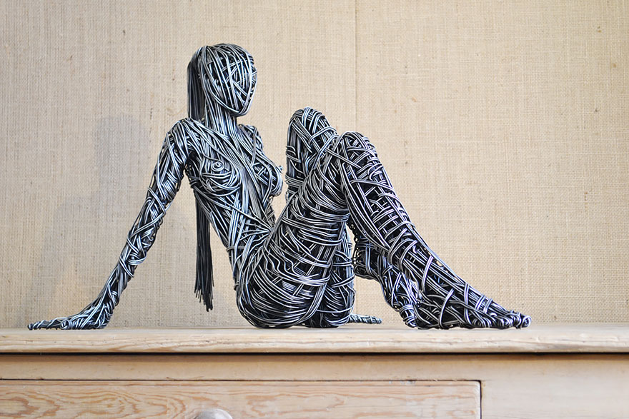 wire-sculptures-richard-stainthorp-4