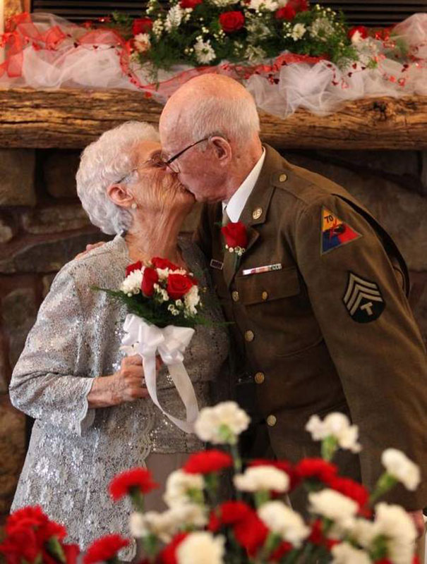 elderly-couple-wedding-photography-17__605