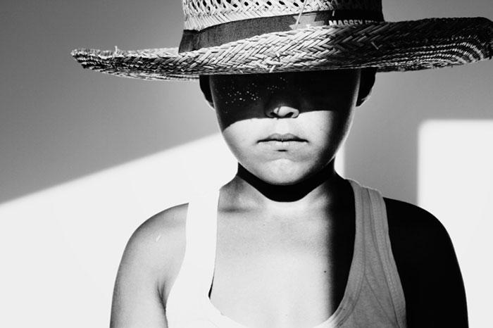 black-and-white-photography-childhood-joy-felicia-simon-6