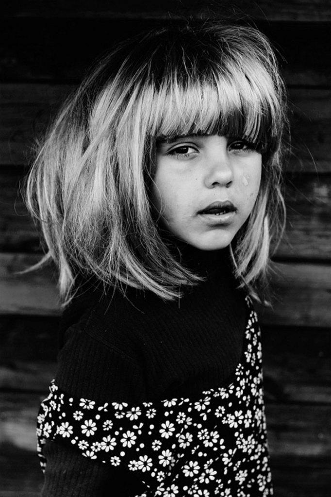 black-and-white-photography-childhood-joy-felicia-simon-9