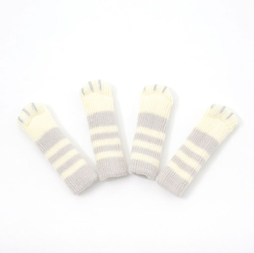 cat-paw-sock-feet-chair-nekoashi-toyo-case-6