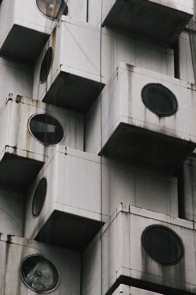 Nakagin-Capsule-Tower__700