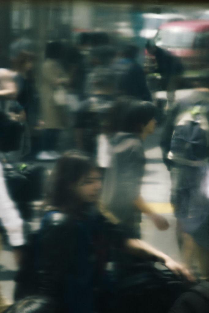 Tokyo-Shibuya-Crossing-01__700
