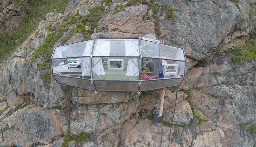 scary-see-through-suspended-pod-hotel-peru-sacred-valley-21