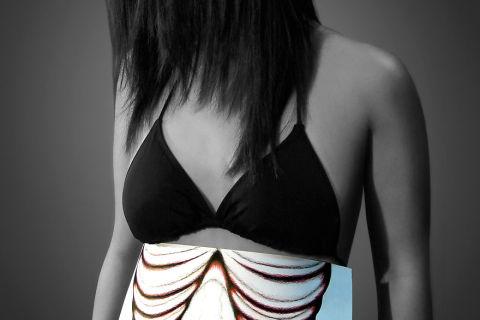 caro-anorexia-abdomen-luz__880